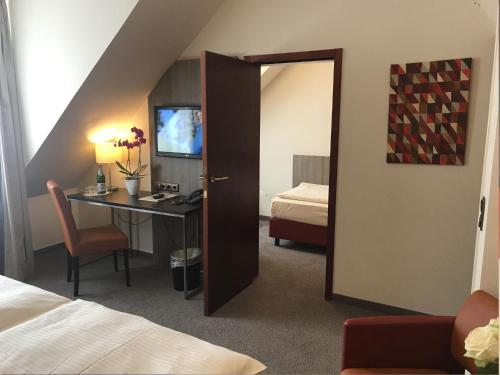City Hotel Düsseldorf photo 11