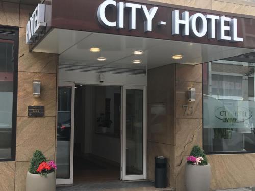 City Hotel Düsseldorf photo 30