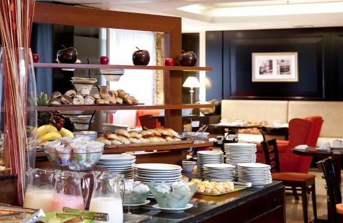 Savoy Hotel photo 48