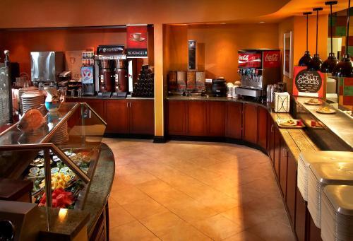 Embassy Suites Phoenix - Scottsdale - Phoenix, AZ AZ 85032