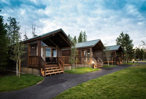 Explorer Cabins At Yellowstone - West Yellowstone, MT 59758
