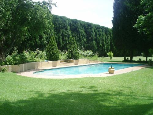 Chartwell Castle & Guest House (B&B)