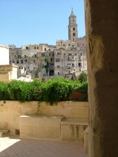 Via San Giovanni Vecchio 22, 75100 Matera, Basilicata, Italy.