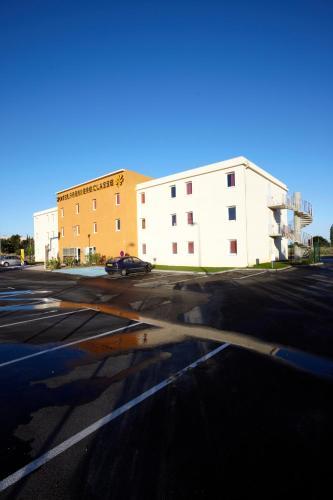 Première Classe Istres - Hôtel - Istres