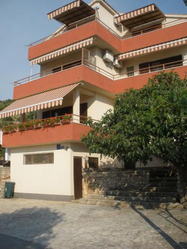 Apartments Bilo