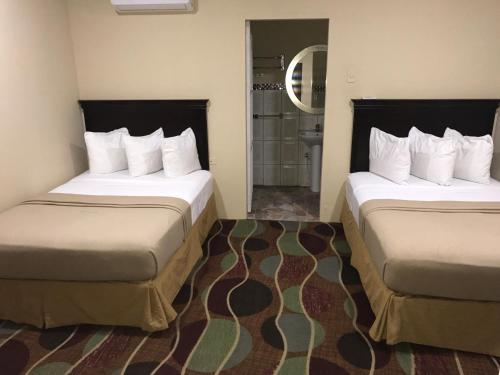תמונות לחדר Airport Suites Hotel