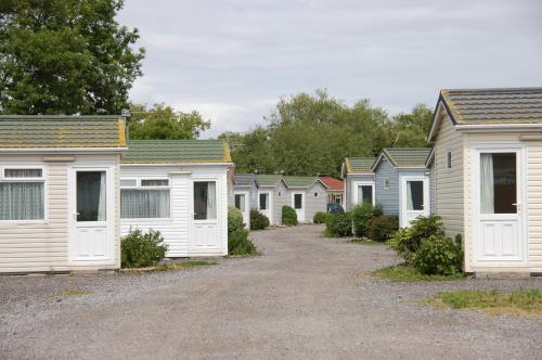 . Warrens Village Motel and Self Catering