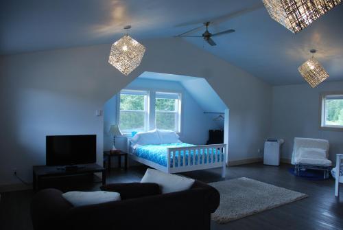 . Fieldstone Loft Guesthouse