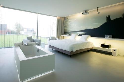 . D-Hotel