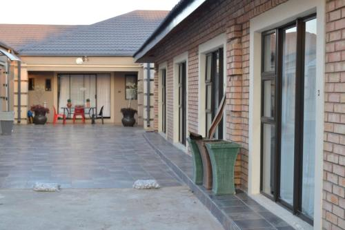 Thembisi Guesthouse