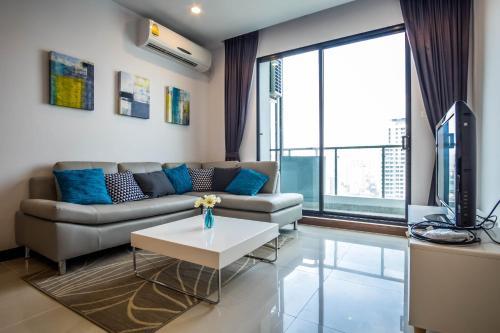Supalai Asoke Residence Monthly impression