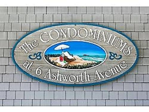 Ashworth Ave Condos