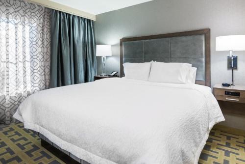 Hampton Inn & Suites Tampa Airport Avion Park Westshore in Tampa