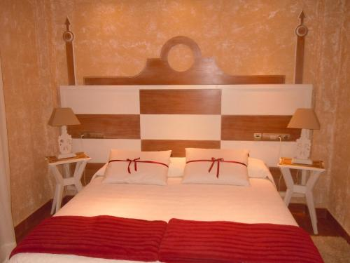 Double or Twin Room with Spa Access Posada La Torre de los Isla & Spa 27