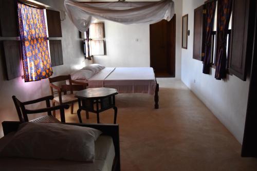 Amu House, Lamu West