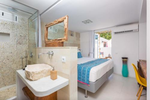 Double Room with Pool View Ibizazen 9