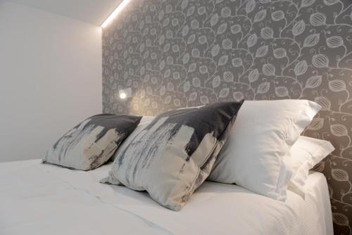 . Miramed rooms