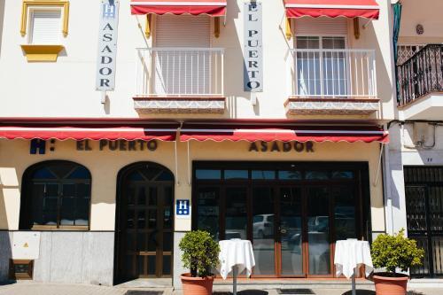 . Hostal El Puerto