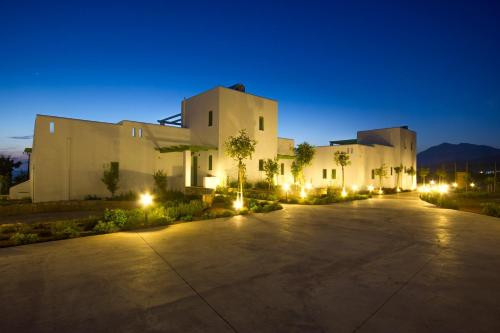 . Alona Luxury Villas