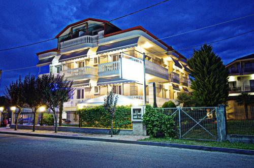 . John & Eve Hotel