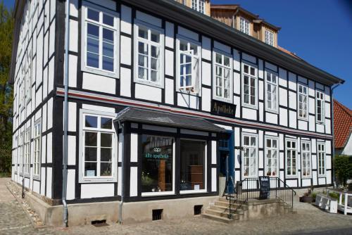 . Alte Apotheke Hotel und Cafe