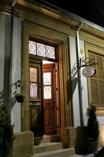 . Pedieos Guest House
