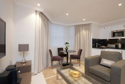 Claverley Court Apartment Knightsbridge photo 6