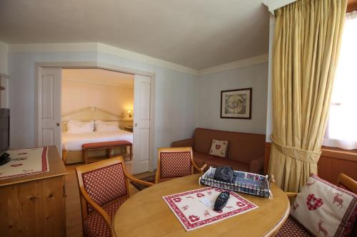 Classic Suite (3 Adults)