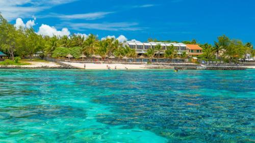 . Le Peninsula Bay Beach Resort & Spa
