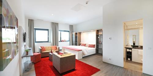 . 3G Hotel