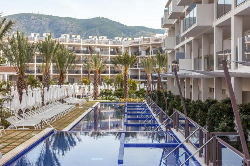 Avinguda de Cas Saboners 24  Palmanova 07181 Majorca, Spain.