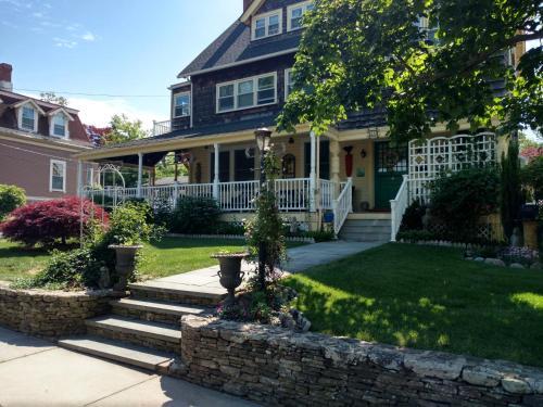 Armistead Cottage Bed & Breakfast - Accommodation - Newport