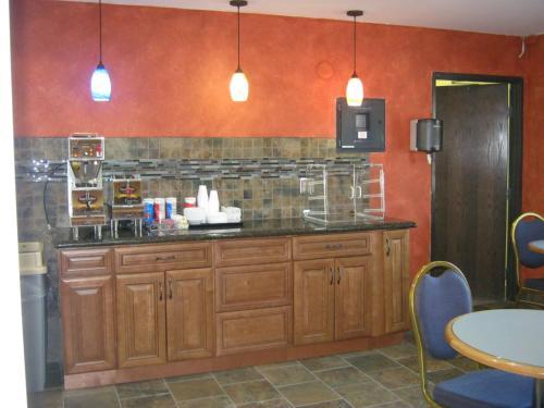 Americas Best Value Inn Burnsville/Minneapolis - Burnsville, MN 55337