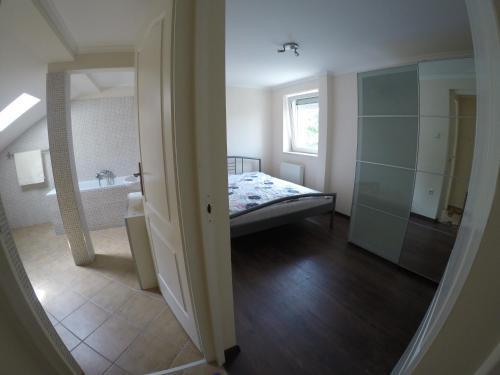 Rozsé Apartman room photos