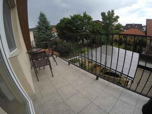 Rozsé Apartman, Pension in Budaörs