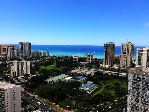 Hawaiian Monarch Penthouse 401 By Hawaii Ocean Club - Honolulu, HI 96815