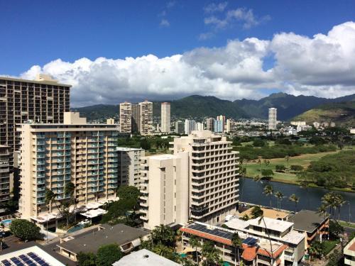 Waikiki Skytower 1904 - FREE PARKING - Honolulu, HI 96815