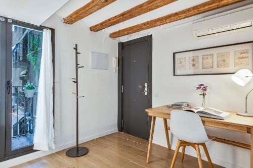 Inside Barcelona Apartments Esparteria photo 40