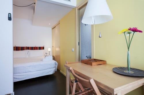 Inside Barcelona Apartments Esparteria photo 44