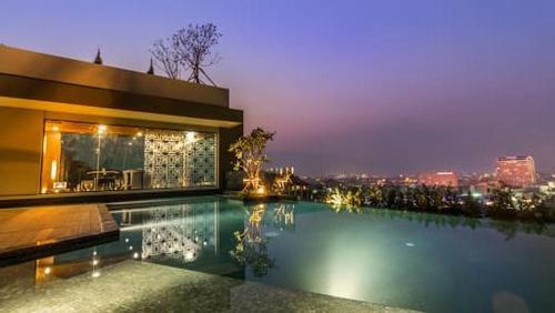 Luxury Condo near Night Bazzar Luxury Condo near Night Bazzar