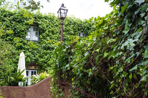 Rua das Janelas Verdes 32, 1200-691 Lisbon, Portugal.
