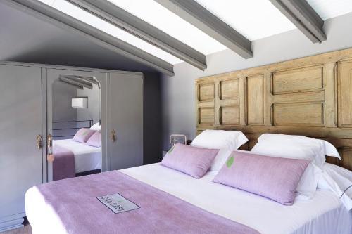 Suite con vistas al jardín Hotel Can Casi Adults Only 6
