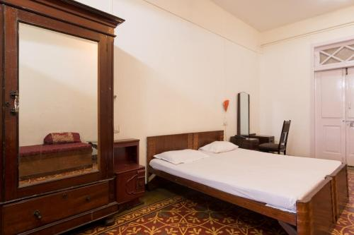 Hotel Bed and Breakfast at Colaba