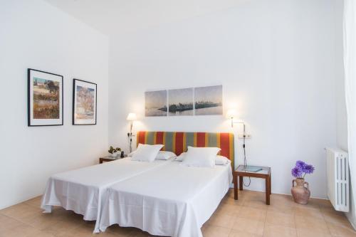 Junior Suite - single occupancy Hotel Ca'n Moragues 12