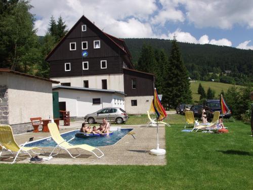 . Hotel Flora