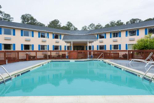 Days Inn By Wyndham Chincoteague Island - Chincoteague Island, VA 23336
