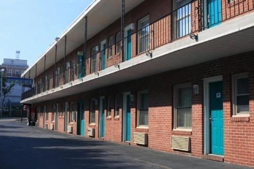 Express Inn - Towson, MD 21204