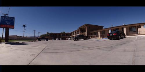 . Executive Inn Mojave