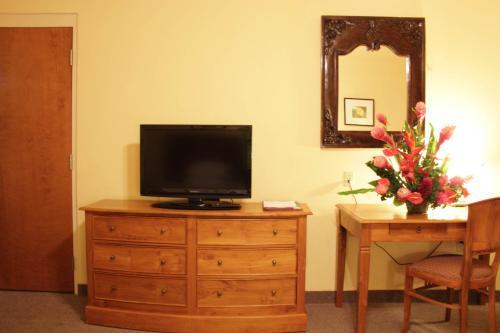 Tradewinds Hotel Двухместный номер с 2 отдельными кроватями