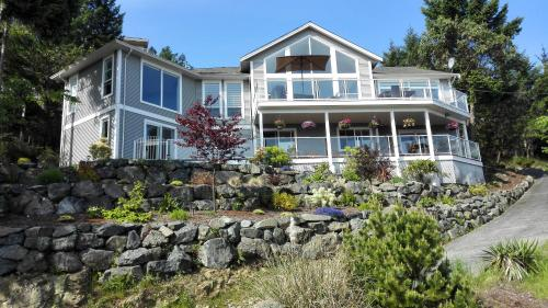 Nanaimo Ocean View (Bed and Breakfast)